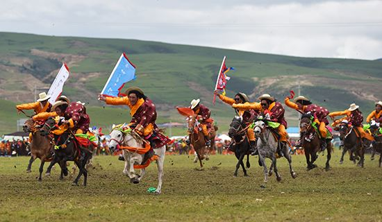 Tibet Tour during Horse Racing Festival in Damxung 2020